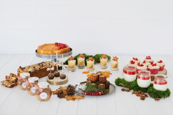 Kalėdinis stalas: užkandžiai, receptai, stalo puošyba