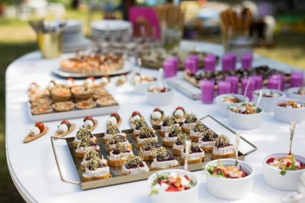 Asmeninės šventės: skanus maistas atvirose erdvėse