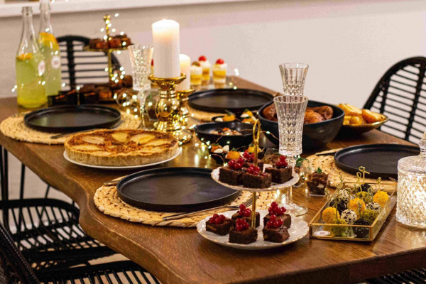 Kalėdas švęskite, o maistą į namus pristatysime mes!