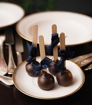 """""""Cake pops"""" - Spoon to The Moon"""
