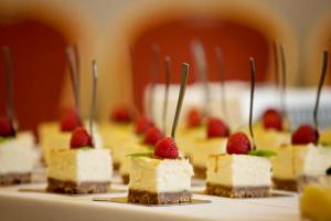 MINI sūrios karamelės sūrio pyragas - Spoon to The Moon