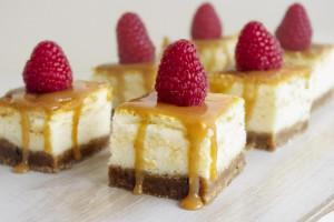 MINI sūrios karamelės sūrio pyragas